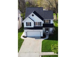 Property for sale at 1435 Loriann Drive, Berea,  Ohio 44017