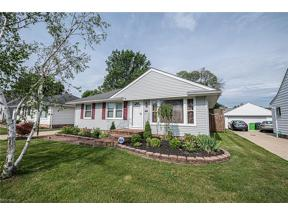 Property for sale at 1686 Mayfair Boulevard, Mayfield Heights,  Ohio 44124