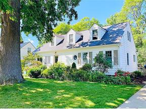 Property for sale at 119 E 5th Avenue, Berea,  Ohio 44017