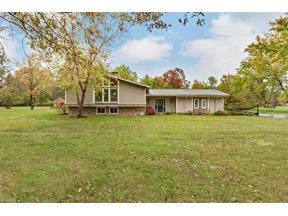 Property for sale at 105 N Strawberry Lane, Moreland Hills,  Ohio 44022