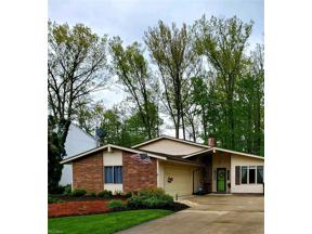 Property for sale at 26257 Redwood Drive, Olmsted Falls,  Ohio 44138