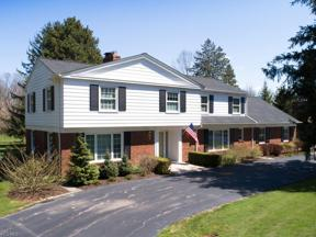Property for sale at 220 Sterncrest Drive, Moreland Hills,  Ohio 44022