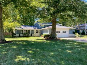 Property for sale at 4644 Azalea Lane, North Olmsted,  Ohio 44070