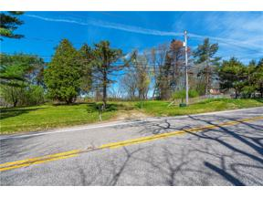 Property for sale at 467 Center Road, Hinckley,  Ohio 44233