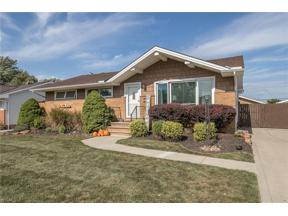Property for sale at 181 E Parkleigh Drive, Seven Hills,  Ohio 44131