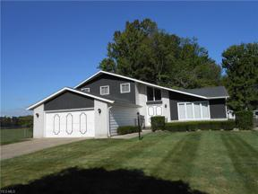 Property for sale at 6854 Paula Drive, Middleburg Heights,  Ohio 44130