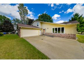 Property for sale at 12631 Pinebrook Drive, North Royalton,  Ohio 44133