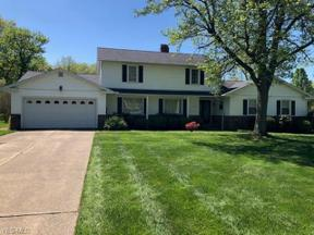 Property for sale at 976 Eastlawn Drive, Highland Heights,  Ohio 44143