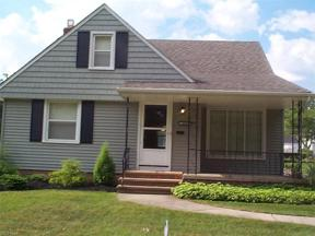 Property for sale at 5396 Beacon Road, Lyndhurst,  Ohio 44124