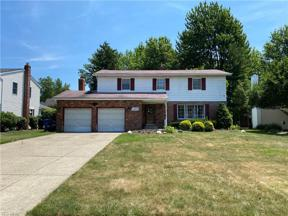 Property for sale at 6397 Somerset Drive, North Olmsted,  Ohio 44070