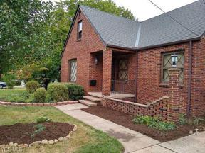 Property for sale at 5989 Maplecliff Drive, Parma Heights,  Ohio 44130