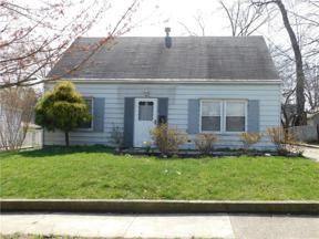 Property for sale at 1923 Searl Street, Cuyahoga Falls,  Ohio 44221