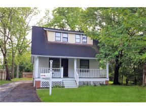 Property for sale at 5096 Edenhurst Road, Lyndhurst,  Ohio 44124