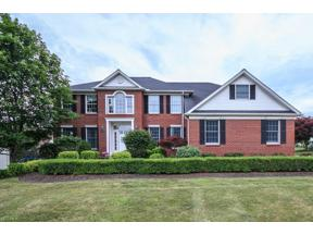 Property for sale at 6244 N Applecross Road, Highland Heights,  Ohio 44143