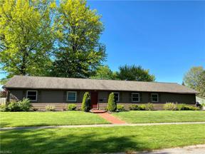 Property for sale at 742 Merrimak Drive, Berea,  Ohio 44017