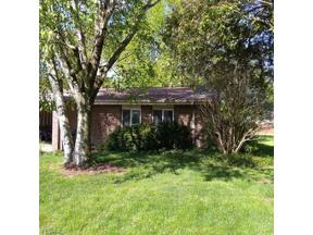 Property for sale at 9348 Fernwood Drive, Olmsted Falls,  Ohio 44138