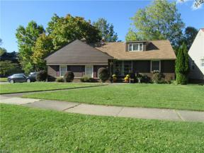 Property for sale at 5900 Wickfield Drive, Parma Heights,  Ohio 44130