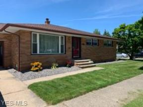 Property for sale at 4156 Spring Crest Drive, Brooklyn,  Ohio 44144