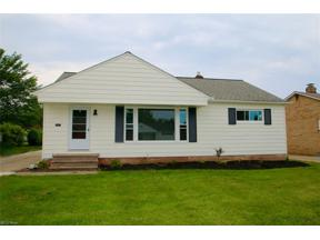 Property for sale at 1730 Crestwood Road, Mayfield Heights,  Ohio 44124