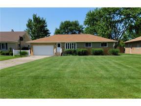 Property for sale at 301 E Parkhaven Drive, Seven Hills,  Ohio 44131