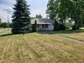 Property for sale at 5426 E Lake Road, Sheffield Lake,  Ohio 44054