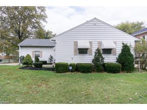 Property for sale at 5487 Mayfield Road, Lyndhurst,  Ohio 44124