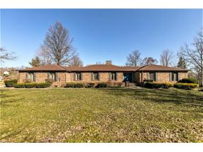 Property for sale at 120 Country Place, Grafton,  Ohio 44044