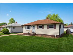 Property for sale at 15480 Hocking Boulevard, Brook Park,  Ohio 44142