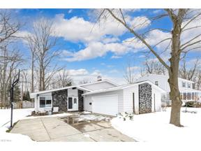 Property for sale at 9399 Basswood Drive, Olmsted Falls,  Ohio 44138