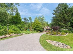 Property for sale at 100 Twin Acre Court, Moreland Hills,  Ohio 44022