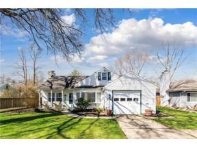 Property for sale at 174 Edgewood Drive, Berea,  Ohio 44017