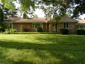 Property for sale at 115 N Strawberry Lane, Moreland Hills,  Ohio 44022