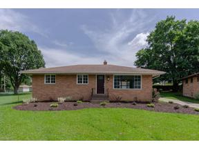 Property for sale at 324 E Englewood Drive, Seven Hills,  Ohio 44131