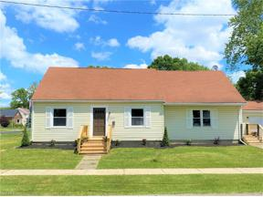 Property for sale at 1835 Jefferson Avenue, Cuyahoga Falls,  Ohio 44223