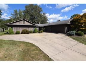 Property for sale at 510 Wyleswood Drive, Berea,  Ohio 44017