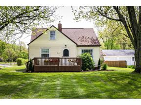 Property for sale at 7647 Mapleway Drive, Olmsted Falls,  Ohio 44138