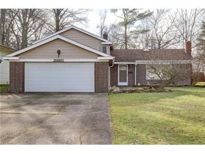 Property for sale at 26861 Redwood Drive, Olmsted Falls,  Ohio 44138