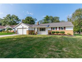 Property for sale at 980 Cranbrook Drive, Highland Heights,  Ohio 44143