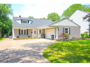 Property for sale at 1364 Ford Road, Lyndhurst,  Ohio 44124