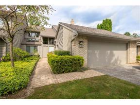 Property for sale at 10 Nantucket Court, Beachwood,  Ohio 44122