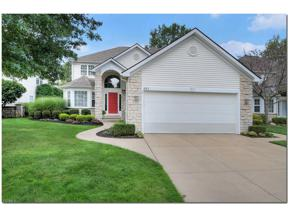 Property for sale at 422 W Glengary Circle, Highland Heights,  Ohio 44143