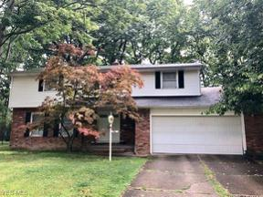 Property for sale at 983 Roland Road, Lyndhurst,  Ohio 44124