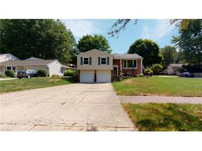Property for sale at 8409 Brentwood Drive, Olmsted Falls,  Ohio 44138