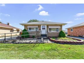 Property for sale at 4871 Southwood Drive, Brooklyn,  Ohio 44144