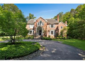 Property for sale at 15325 Suffolk Lane, Chagrin Falls,  Ohio 44022