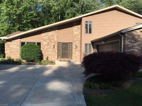 Property for sale at 7109 Timber Lane, Olmsted Township,  Ohio 44138