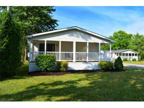 Property for sale at 2 Crabapple Lane, Olmsted Township,  Ohio 44138