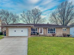 Property for sale at 7263 Barton Hill Drive, Parma,  Ohio 44129