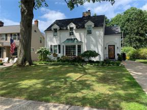 Property for sale at 19690 Roslyn Drive, Rocky River,  Ohio 44116