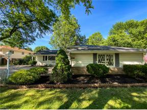 Property for sale at 15728 Sandalhaven Drive, Middleburg Heights,  Ohio 44130